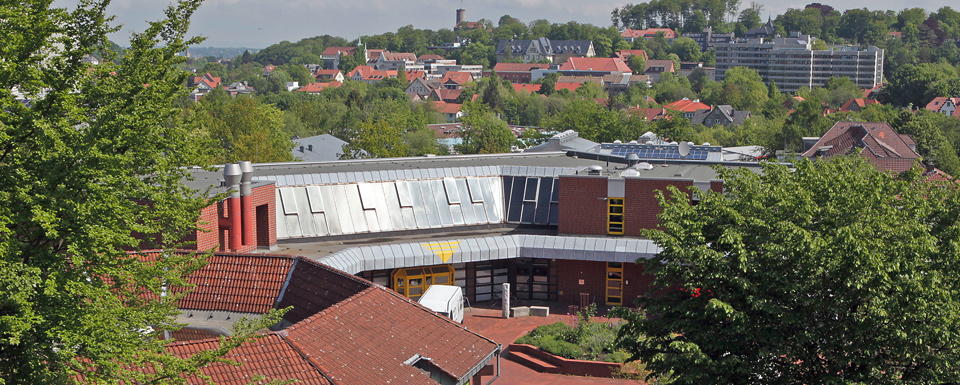 Mitten im Leben der Großstadt: Ein Blick vom BBW über die Einrichtungen von Bethel und den Bielefelder Stadtteil Gadderbaum.